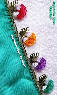 İki Renkli Fiyonk İğne Oyası Modeli Yapılışı Needle Lace, Baby Knitting Patterns, Needlework, Elsa, Tassels, Embroidery, Stitch, Painting, Accessories