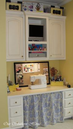 Simple craft and sewing area from Our Southern Home. Cabinet curtain hides storage under the sewing table. Coin Couture, Mini Loft, Home Projects, Home Crafts, Sewing Nook, Sewing Spaces, Bric À Brac, Space Crafts, Home Organization