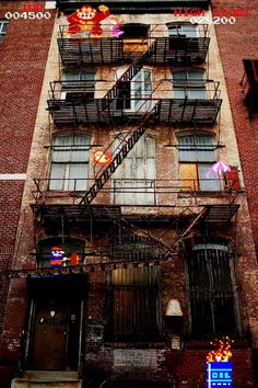 Donkey Kong and Mario on a real world fire escape stairs. Old school classic arcade games. Taken from EPIC WIN before cheezburger got sold. Retro Video Games, Video Game Art, Real Life Video, Nintendo World, Diddy Kong, Donkey Kong Country, Fire Escape, Zelda, Super Mario Bros