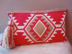 Items similar to Tote bag in wayuu, cotton clutch style crochet on Etsy Tapestry Crochet Patterns, Crochet Motifs, Crochet Quilt, Love Crochet, Filet Crochet, Crochet Stitches, Knit Crochet, Crochet Wallet, Crochet Clutch