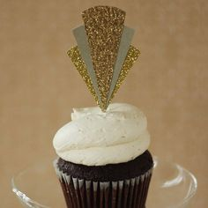 great gatsby inspired cupcake