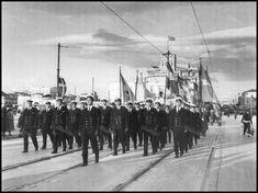 Γιορτή του Αγίου Νικολάου, περιφορά της εικόνας, Πειραιάς 6-12-1957.