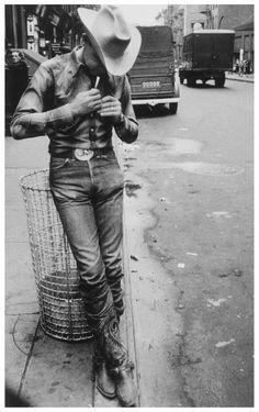 New York City, 1954. Por Robert Frank, importante figura estadounidense dentro del ámbito de la fotografía.