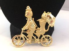 VTG. AJC GOLD TONE KITTY CAT COUPLE ON A BICYCLE BUILT FOR 2 BROOCH~  | eBay