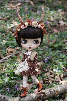 Trillium Mori Girl Vest for Blythe Doll by pommepomme on Etsy, $12.00