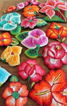 japanese embroidery Se parece al bordado oaxaqueño mexicano
