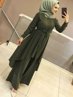 Muslim Women Fashion, Modern Hijab Fashion, Street Hijab Fashion, Islamic Fashion, Abaya Fashion, Modest Fashion, Fashion Dresses, Hijab Style Dress, Hijab Chic