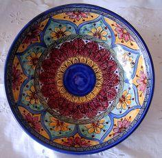 Ciotola /insalatiera/spaghettiera in ceramica.Dipinta a mano.Decoro Geo/Floris., by ilciliegio, 15,00 € su misshobby.com