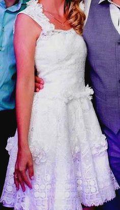 Vestido de noiva altura joelhos em renda renascença, sob encomendas. mangelrendas@hotmail.com