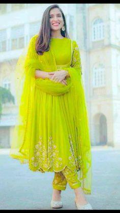 Pakistani Fashion Party Wear, Indian Bridal Fashion, Indian Fashion Dresses, Indian Designer Outfits, Indian Gowns, Indian Wear, Fashion Outfits, Stylish Dresses For Girls, Stylish Dress Designs