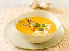 Karotten-Ingwer-Suppe mit Honigbananen