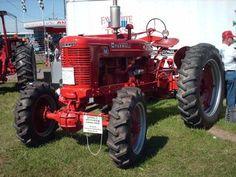 Interesting IH tractor.1086,1485 or 1586 IHFarmall