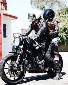 🏍 by Ducati Bike Couple, Motorcycle Couple, Retro Motorcycle, Motorcycle Clubs, Motorcycle Style, Biker Style, Motorbike Girl, Nkd Cafe Racer, Cafe Racer Style