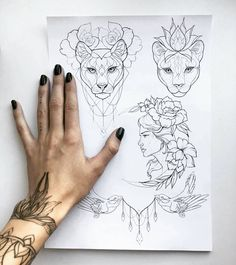 I love the lion by her hand