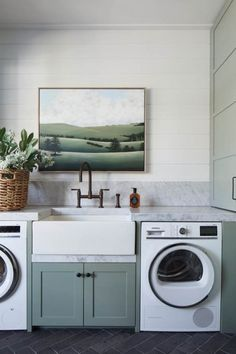Beechwood Home– Modern Farmhouse Laundry Design Inspiration Mudroom Laundry Room, Laundry Room Organization, Laundry In Bathroom, Mudroom Cabinets, Laundry Doors, Planchers En Chevrons, Style Me Pretty Living, Laundry Room Inspiration, Hill Interiors