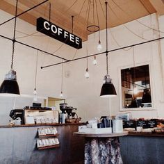Afbeelding via We Heart It https://weheartit.com/entry/138114485/via/1300330 #addiction #coffee #delicious #food #grunge #indie #lamp #nature #coffeemachine