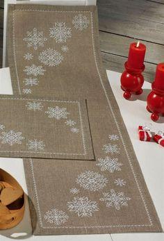 New Crochet Christmas Table Runner Snowflakes Ideas Table Runner And Placemats, Burlap Table Runners, Quilted Table Runners, Cross Stitching, Cross Stitch Embroidery, Cross Stitch Patterns, Embroidery Tattoo, Border Embroidery, Machine Embroidery Designs