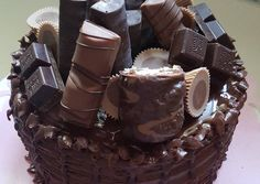 Fondant, Birthday Cake, Food, Cake Receipe, Recipes, Birthday Cakes, Essen, Meals, Gum Paste