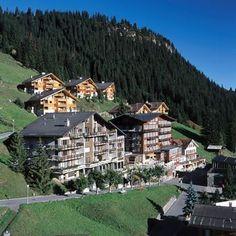 Murren, Switzerland One of our favorite places. A wonderful walk from Lauterbrunen. Murren Switzerland, Switzerland Hotels, Winterthur, Zermatt, Places To Travel, Places To Go, Quality Hotel, Away We Go, Swiss Alps