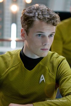 Star Trek - Publicity still of Anton Yelchin. The image measures 2592 * 3888 pixels and was added on 29 July Star Trek Characters, Star Trek Movies, Star Trek Chekov, Star Trek Reboot, Anton Yelchin, Star Trek 2009, Silly Memes, The Final Frontier, Star Trek Voyager