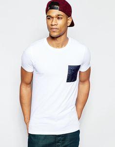 Image 1 - ASOS - T-shirt moulant avec poche kaki contrastante à fermeture  éclair