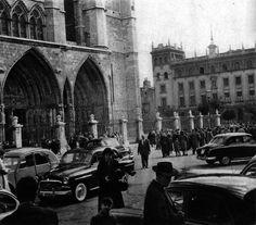 León, fotos antiguas, plaza de la catedral