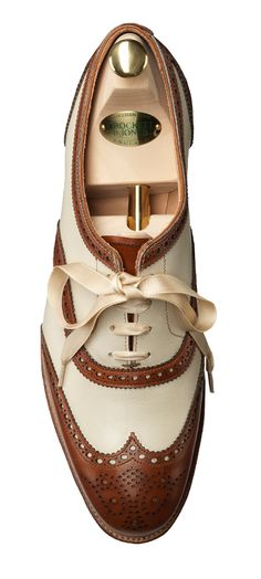 Fabulous boyfriend style brogues with a lovely ribbon. I love the idea of ribbon instead of shoe laces. These brogues are so stylish and unusual. Perfect for wearing with tan and navy for Autumn.