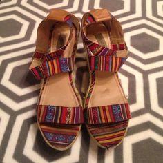 Steve Madden wedges Aztec print, Steve Madden wedges, size 10. ADORABLE Steve Madden Shoes Wedges