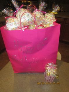 Cellophane goodie bags filled with popcorn and bow tie. Preschool Birthday Treats, Classroom Birthday Treats, Healthy Birthday Treats, Healthy School Snacks, Preschool Snacks, School Treats, Preschool Class, Girl Birthday, Birthday Parties