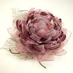 How To Crochet Slipper Socks Fabric Flower Brooch, Organza Flowers, Cloth Flowers, Lace Flowers, Fabric Flowers, Ribbon Art, Fabric Ribbon, Flower Crafts, Flower Art