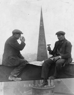Two roofers take a break for lunch, balancing on a girder high above the streets, as relaxed as if they were in their own front room. The spire of All Souls Church, Langham Place is seen behind. (Photo by Keystone/Getty Images). Construction Birthday, Construction Worker, Construction Business, Construction Design, Old Pictures, Old Photos, All Souls Church, Foto Art, Fun At Work