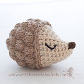 I started this pattern with the intention of making a video for the sheep pattern that I posted, however, it turned into a hedgehog as tends to happen.