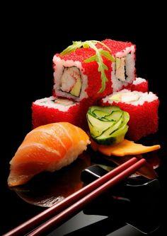 .Amazingly gorgeous edible art...I do love sushi...