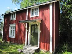 Punainen torppa Vöyri Scandinavian Home, Little Houses, House In The Woods, Tiny Homes, Old Houses, Barns, Porches, Cottages, Shed