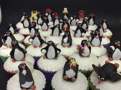 """""""March of the Penguins"""" Cupcakes"""