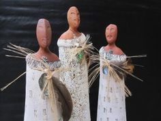 Maori Wahine wearing korowai (feathered cloak) by Fern Flat Pottery. Maori Art, Fire Glass, Clay Ideas, Cloak, Ferns, Pottery, Sculpture, Pretty, Ceramica