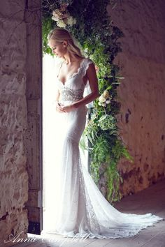 Anna Campbell Wedding Dress ForeverEntwined0014 / http://www.deerpearlflowers.com/anna-campbell-forever-entwined-wedding-dresses/