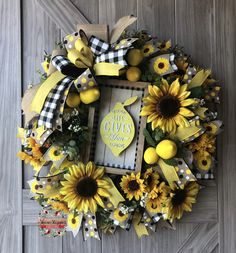 Pucker Up 🍋! Love Life ~ When It Gives You Lemons! This Custom Lemon Wreath Design is Heading To a Fabulous Customer! Interested in… Deco Mesh Wreaths, Fall Wreaths, Christmas Wreaths, Wreath Crafts, Diy Wreath, Wreath Ideas, Tulle Wreath, Wreaths For Front Door, Door Wreaths