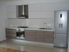 25 ideal kitchen for small houses - Home Decor Kitchen Room Design, Studio Kitchen, Kitchen Interior, Kitchen Decor, Kitchen Layout Plans, Sweet Home Design, Small Apartment Interior, Modern Kitchen Cabinets, Contemporary Kitchen Design