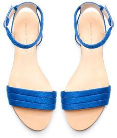 e7d34fa76 Zara sandals Used twice still in great condition Zara Shoes Sandals