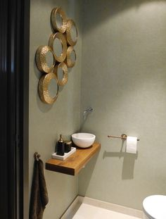 Beautiful toiletaccessoires / toilet paper holder & hook in Raw Bronze. - Beautiful toiletaccessoires / toilet paper holder & hook in Raw Bronze. More accessories -> www. New Countertops, Toilet Room, Downstairs Toilet, Modern Toilet, Toilet Paper Roll Crafts, Toilet Design, Inside Design, Small Bathroom, Modern Bathroom Design