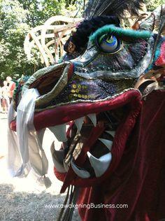 Dragon parade - Oregon Country Fair Hippie Gypsy, Hippy, Oregon Country Fair, Dragon Puppet, Fairs And Festivals, Eugene Oregon, Blueberries, Puppets, Entertainment