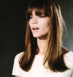 bangs new hair goal! Francoise Hardy // AKA F - Francoise Hardy, Short Hair With Layers, Layered Hair, Good Hair Day, Great Hair, Hairstyles With Bangs, Pretty Hairstyles, Korean Hairstyles, Vintage Hairstyles