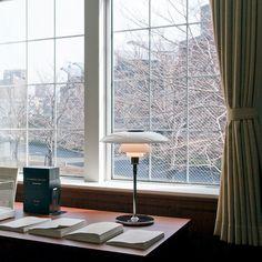PH 4 1/2 - 3 1/2 Glass Table light by Louis Poulsen