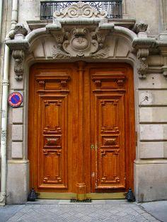 Door, Rue de L'Université, Paris   Flickr: Intercambio de fotos