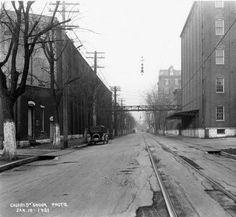 Mellwood Avenue, Louisville, Kentucky, 1921. :: Caufield & Shook Collection