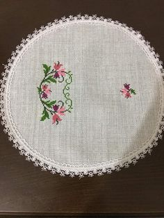Hobbies And Crafts, Diy And Crafts, Cross Stitch Embroidery, Hand Embroidery, Cross Stitch Flowers, Baby Knitting Patterns, Sunflower Arrangements, Cross Stitch Rose, Craft