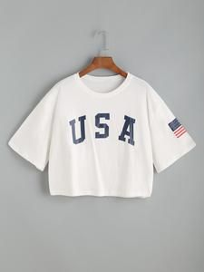 To find out about the USA Flag Print Drop Shoulder Crop Tee at SHEIN, part of our latest T-Shirts ready to shop online today! Boxy Crop Top, Crop Tee, Jugend Mode Outfits, Usa Shirt, Slogan Tshirt, Crop Top Outfits, Summer Outfits, Teen Fashion Outfits, Emo Outfits