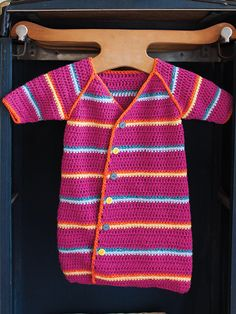 Free Crochet Pattern: Baby Sack designed by Robyn Chachula, is featured in episode 303 of Knit and Crochet Now! Knit And Crochet Now, Crochet Bebe, Crochet For Kids, Crochet Dolls, Crochet Baby Cocoon, Crochet Baby Clothes, Baby Patterns, Knitting Patterns, Crochet Patterns