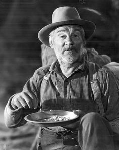 """Walter Huston in """"The Treasure of the Sierra Madre"""" Best Supporting Actor Oscar 1948 Old Hollywood Stars, Golden Age Of Hollywood, Classic Hollywood, Humphrey Bogart, John Huston, The Blues Brothers, Star Wars, Actors Male, Tv Westerns"""